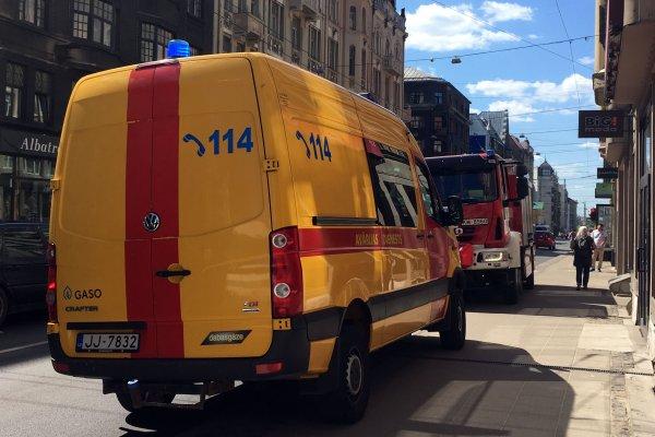 GASO sadarbībā ar Valsts policiju, VUGD un NMPD novērš iespējamo katastrofu Rīgas centrā. - Gaso